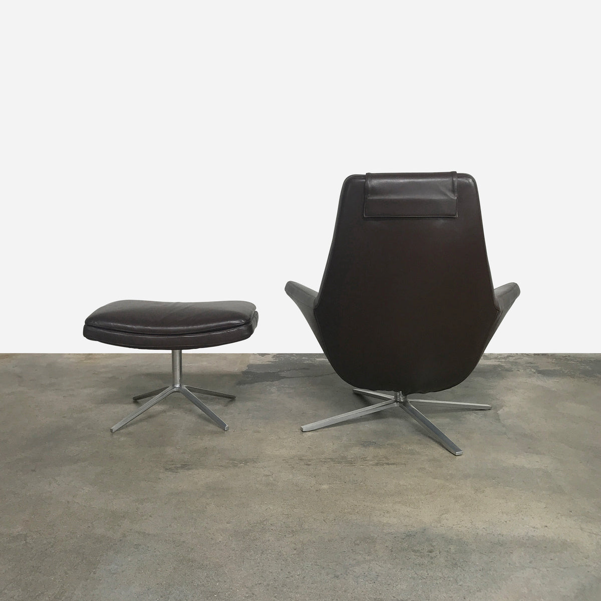 Metropolitan Lounge Chair & Ottoman (1 in stock)