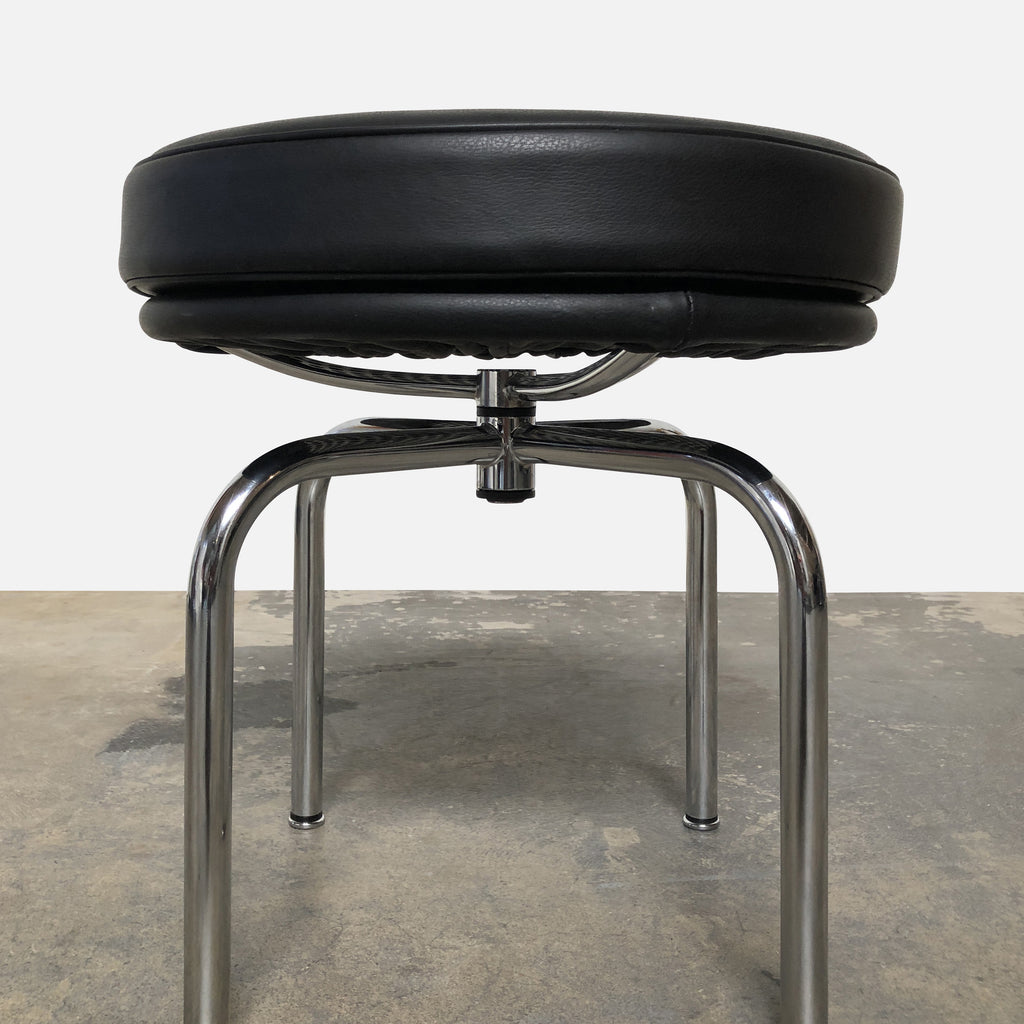 LC8 Low Swivel Stool, Swivel Chair - Modern Resale