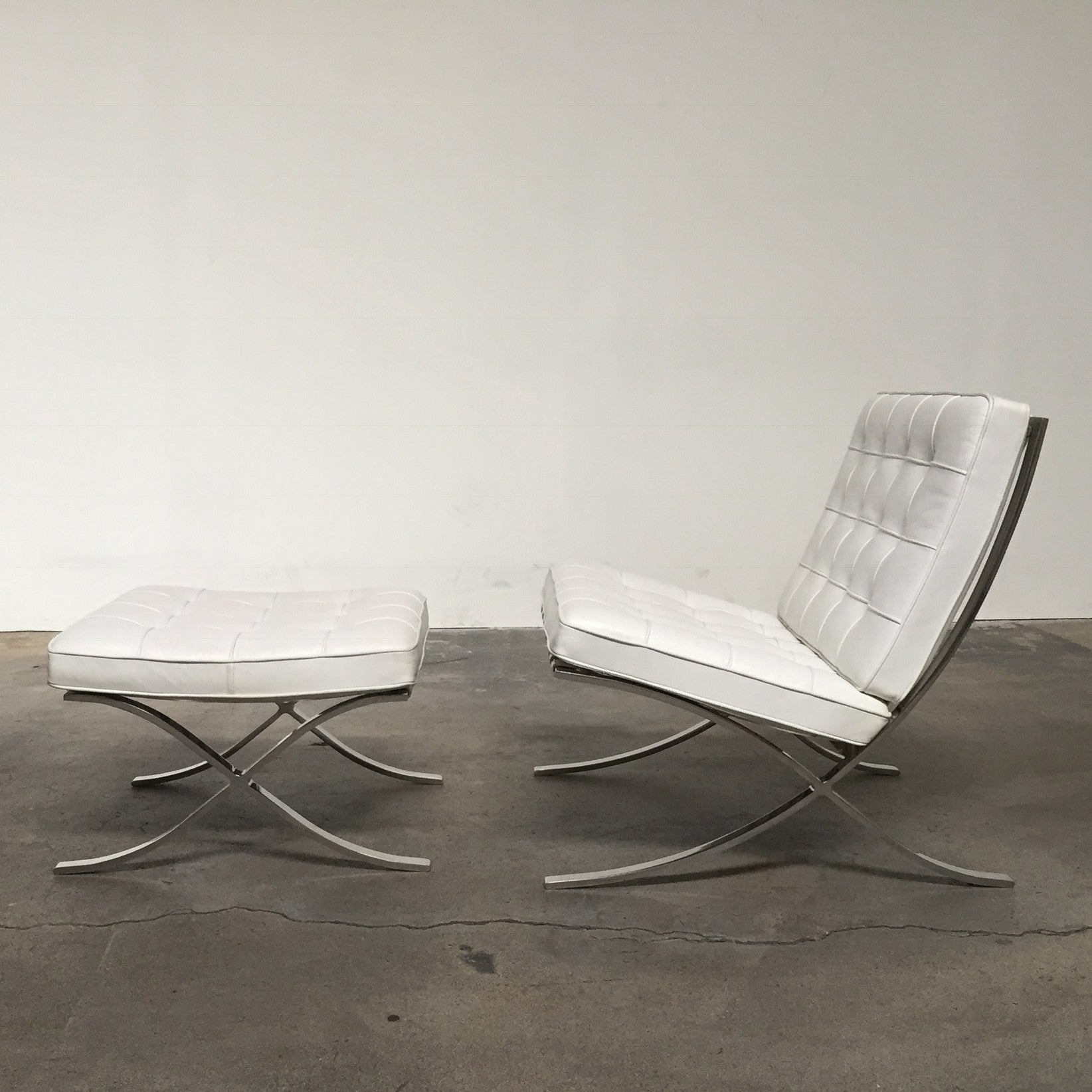 White Barcelona Chair u0026 Ottoman ... & Knoll White Barcelona Chair and Ottoman | Los Angeles Consignment ...