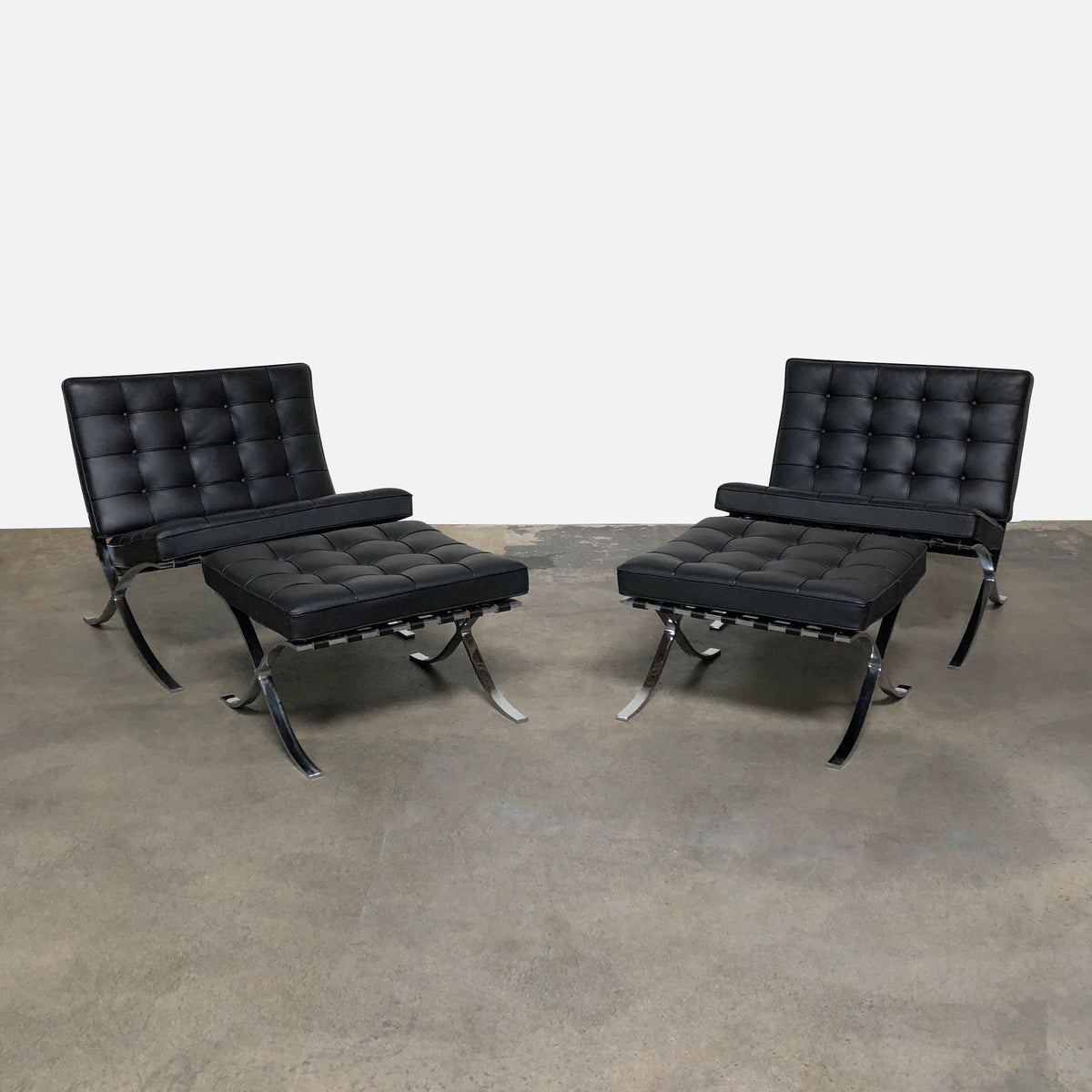Knoll Black Leather Barcelona Lounge Chair by Ludwig Mies Van Der Rohe