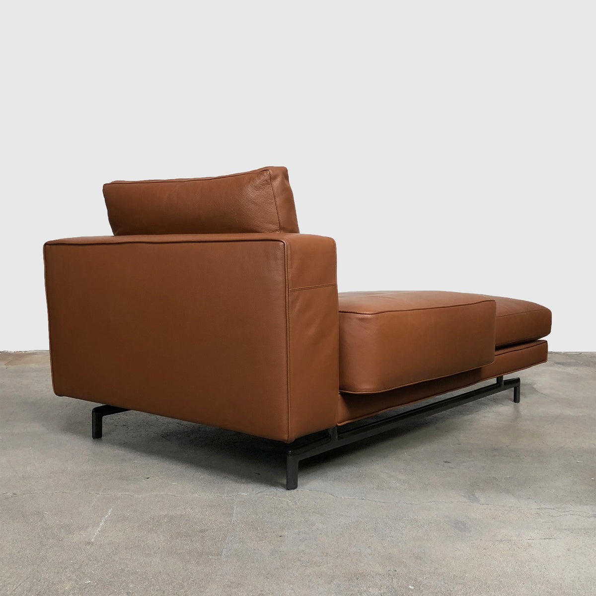 Minotti 'Sherman' Brown and Taupe Leather Chaise Lounge by Rodolfo Dordoni