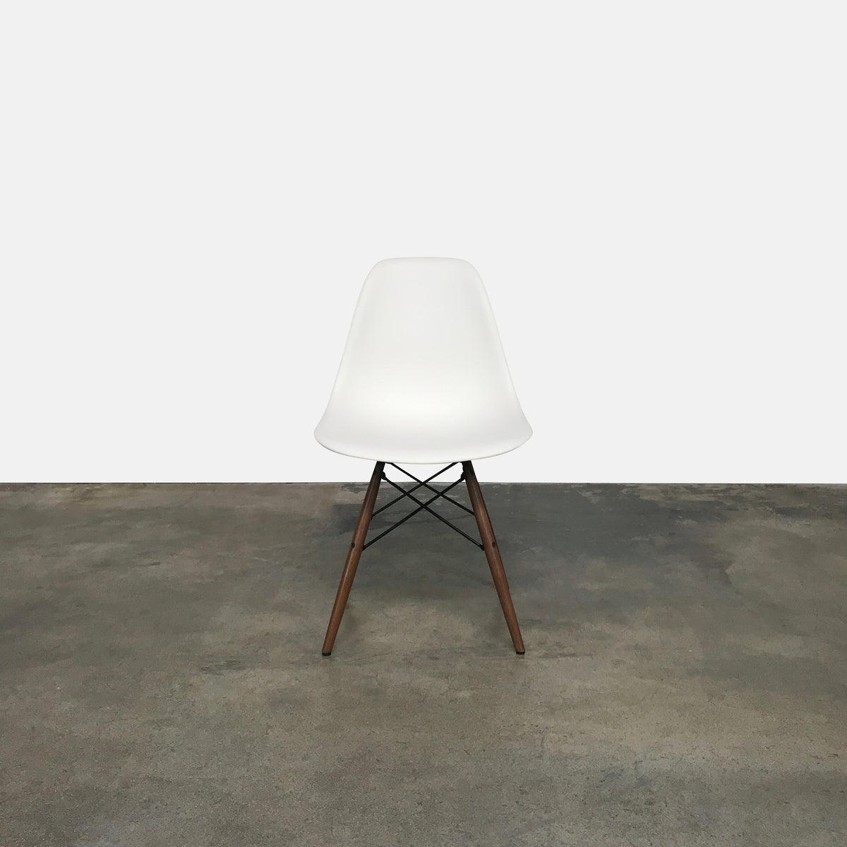 Case Study Shell Dowel Side Chair (2 in stock)