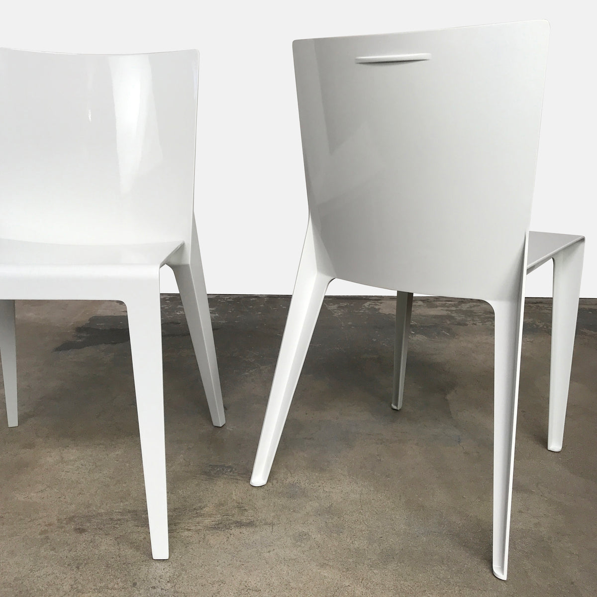 Molteni & Co White Lacquer Alfa Dining Chair by Hannes Wettstein