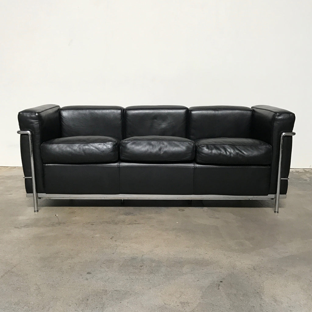 Cassina black leather lc2 poltrona sofa le corbusier los for Le corbusier sofa nachbau