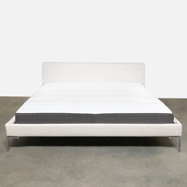 B&B Italia White 'Charles' King Bed by Antonio Citterio