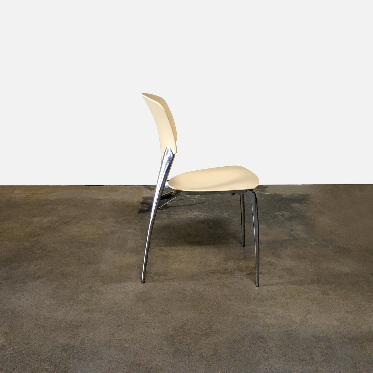 Driade Silla Stackable Dining Chair by Josep Llusca