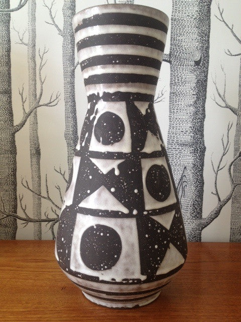 Carstens Tonnieshof Ankara Monochrome Conical Vase (model 1218-38)