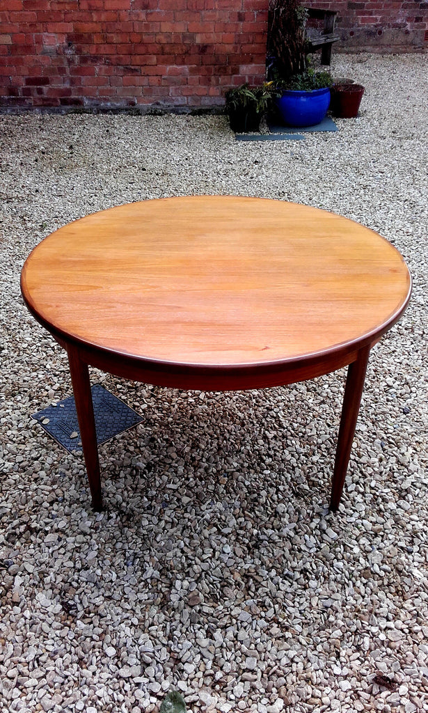 Fab G-Plan Fresco Circular Extending Dining Table