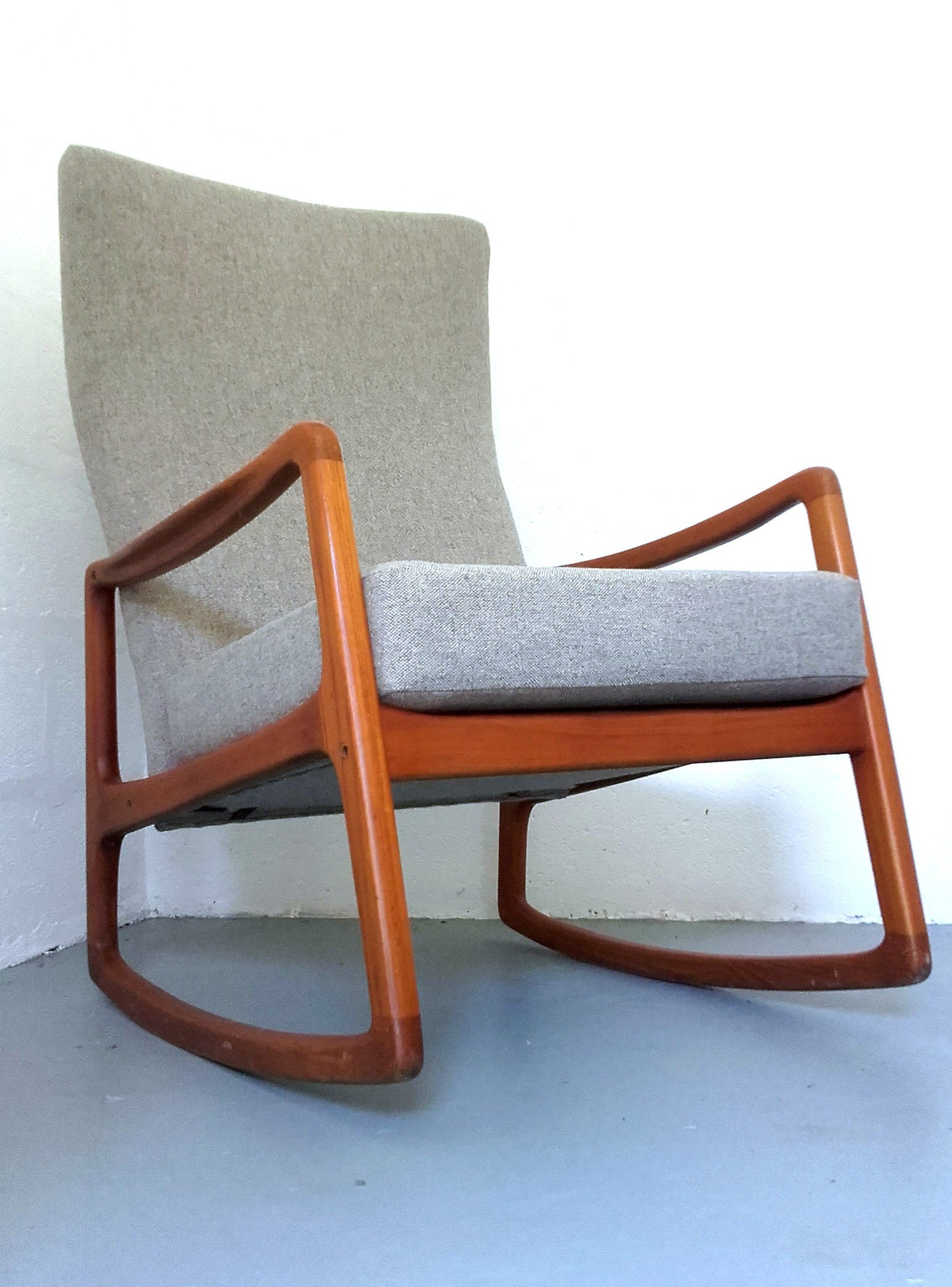 Danish Modern Rocking Chair Model 160 By Ole Wanscher For France