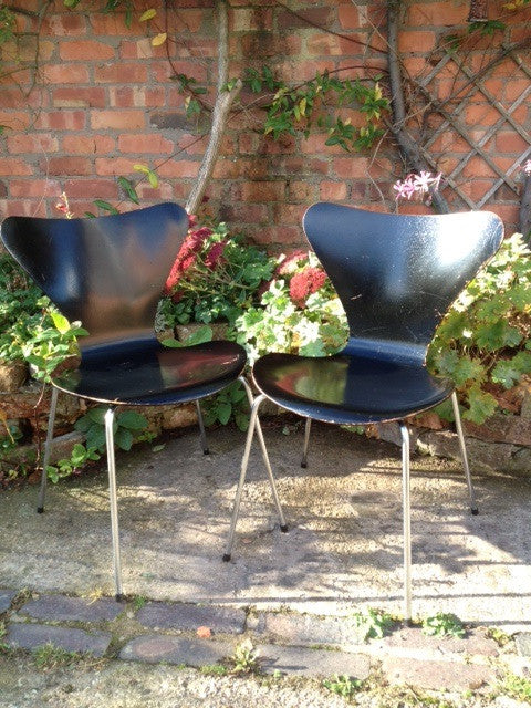 Pair of 1960s Series 7 Butterfly Chairs by Arne Jacobsen for Fritz Hansen in Lovely Original Condition