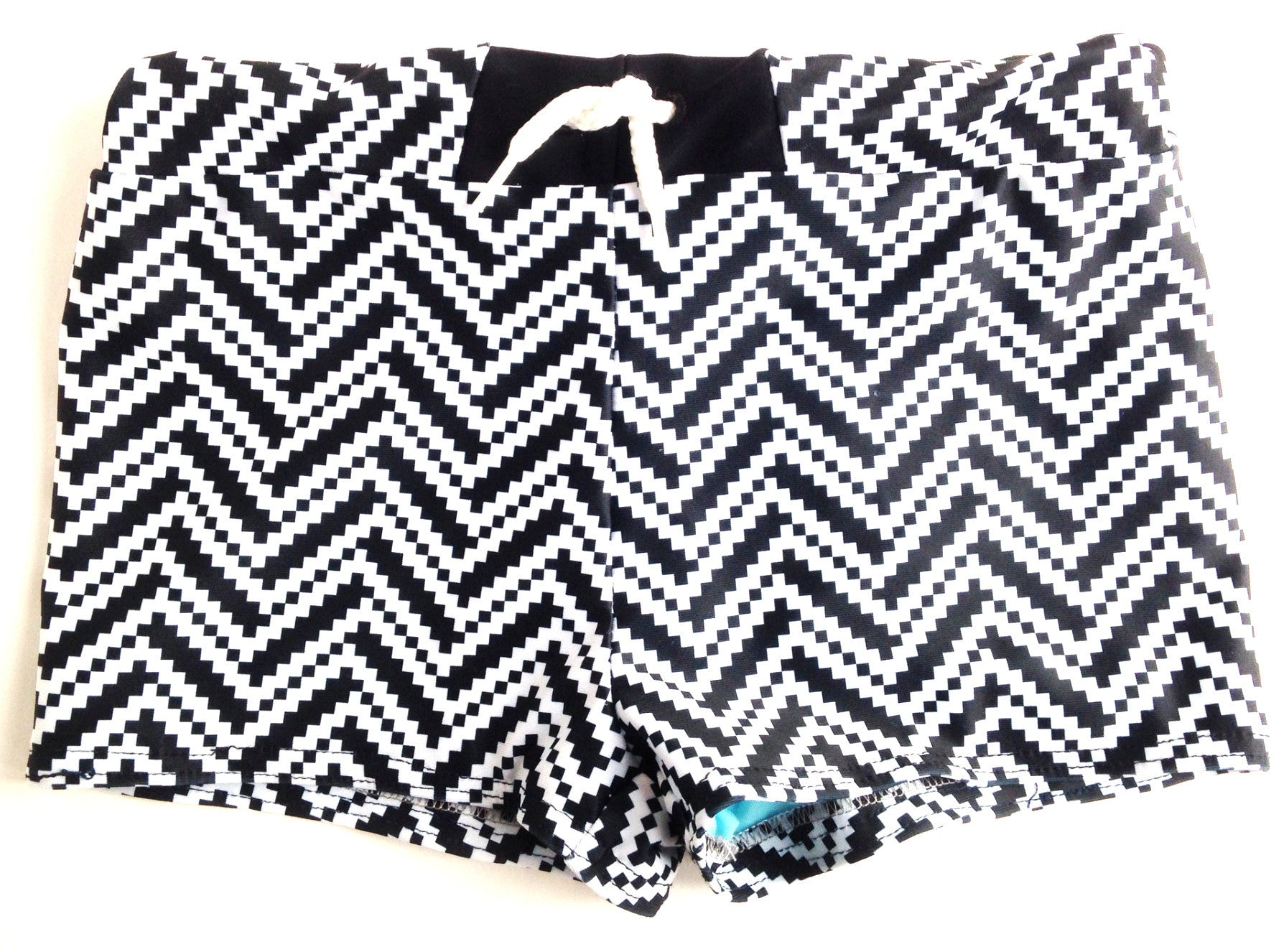 Swim Trunk in Zigzag Racer Print (bathing suits)