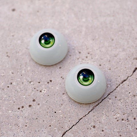Semi-real Eyes (Green)