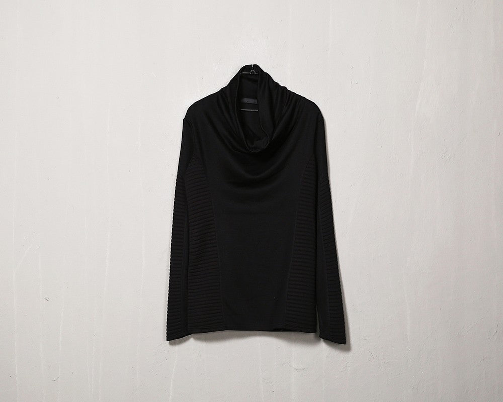 Cowlneck Fit Black T-shirt