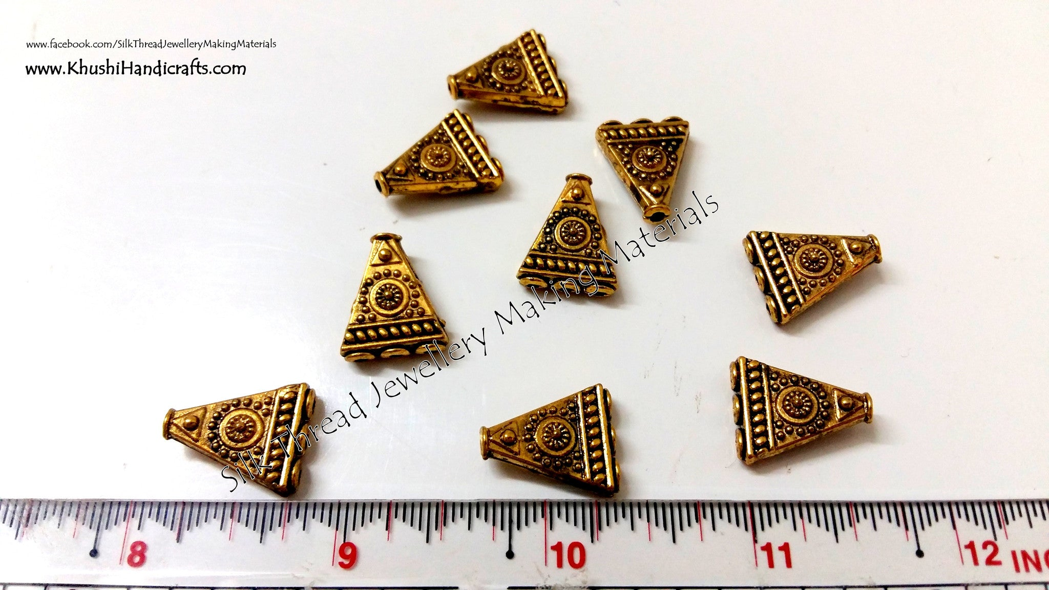 Antique Gold Triangular 1 to 3 Connector