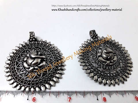 Antique Silver Ganesha Pendant .Sold per piece!P035