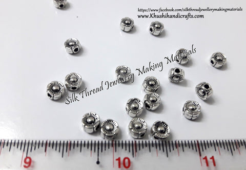Antique silver Round flower metal spacers.Sold as a set of 40 beads -SP66