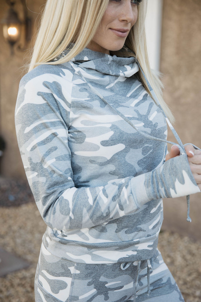 Lounge Pullover in Grey Camo