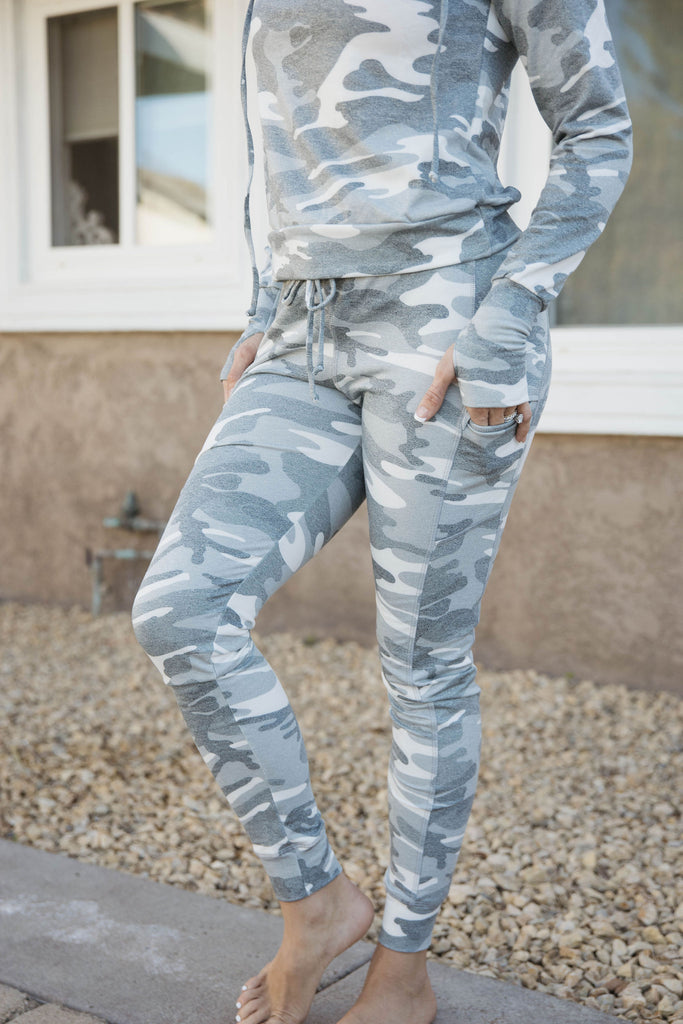 Lounge Jogger in Grey Camo