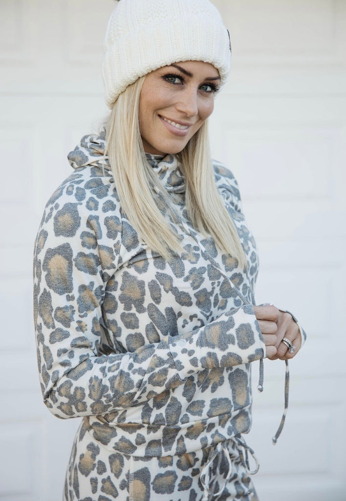 Lounge Pullover in Leopard