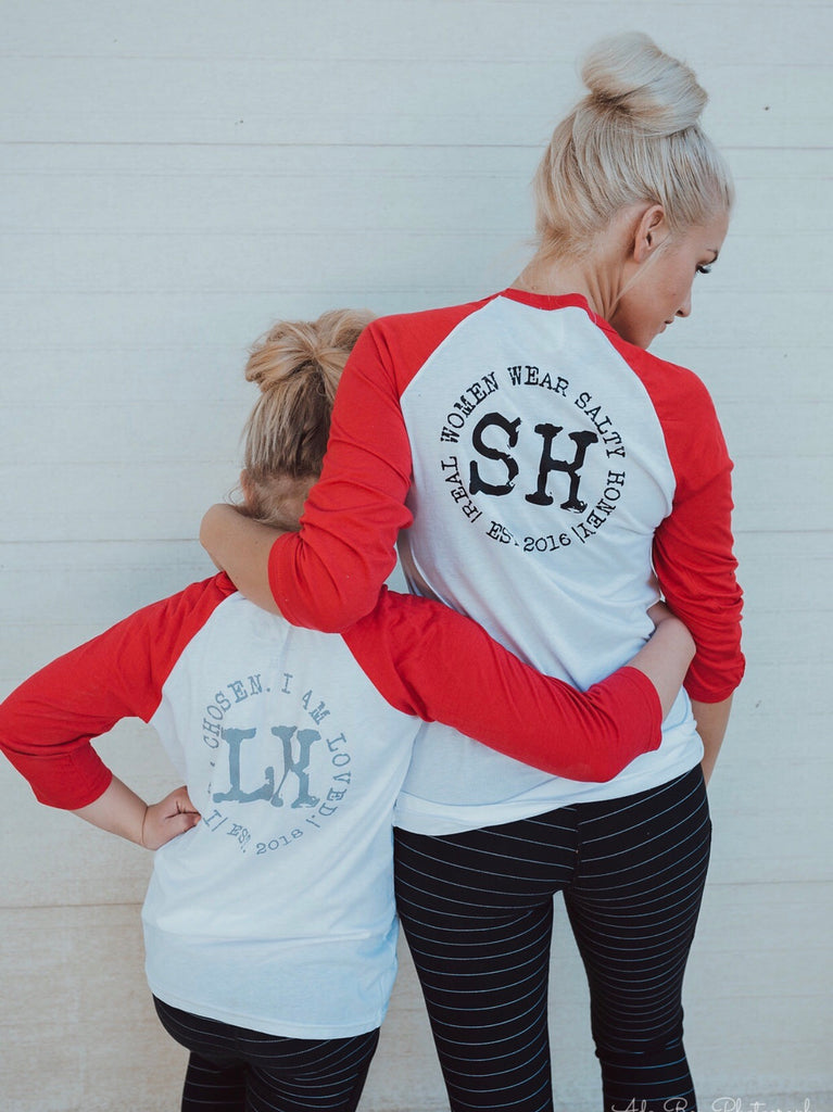 BASEBALL TEE with red sleeves