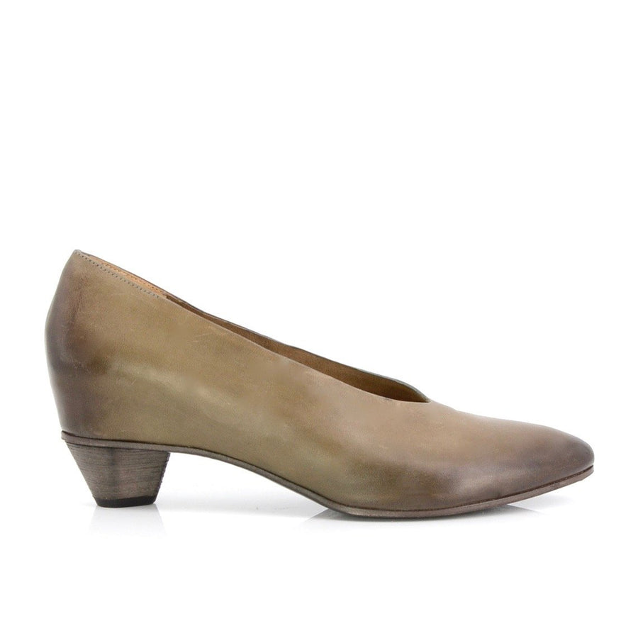Del Carlo Pumps with Concealed Heel in Waxed Leather