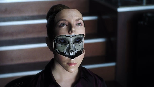 Can Humans Fall in Love with Robots?