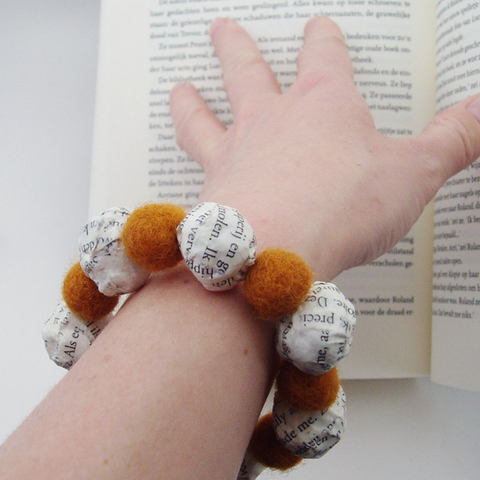 Beaded book lover Bracelet