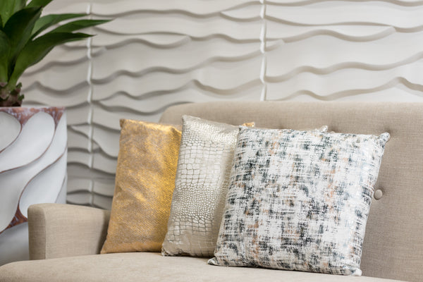 Modish Pillow-White Combination