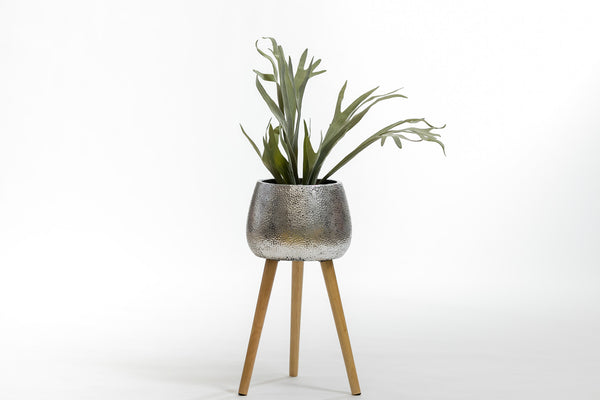 "22"" Silver Planter with wood stand- Metalle Collection"