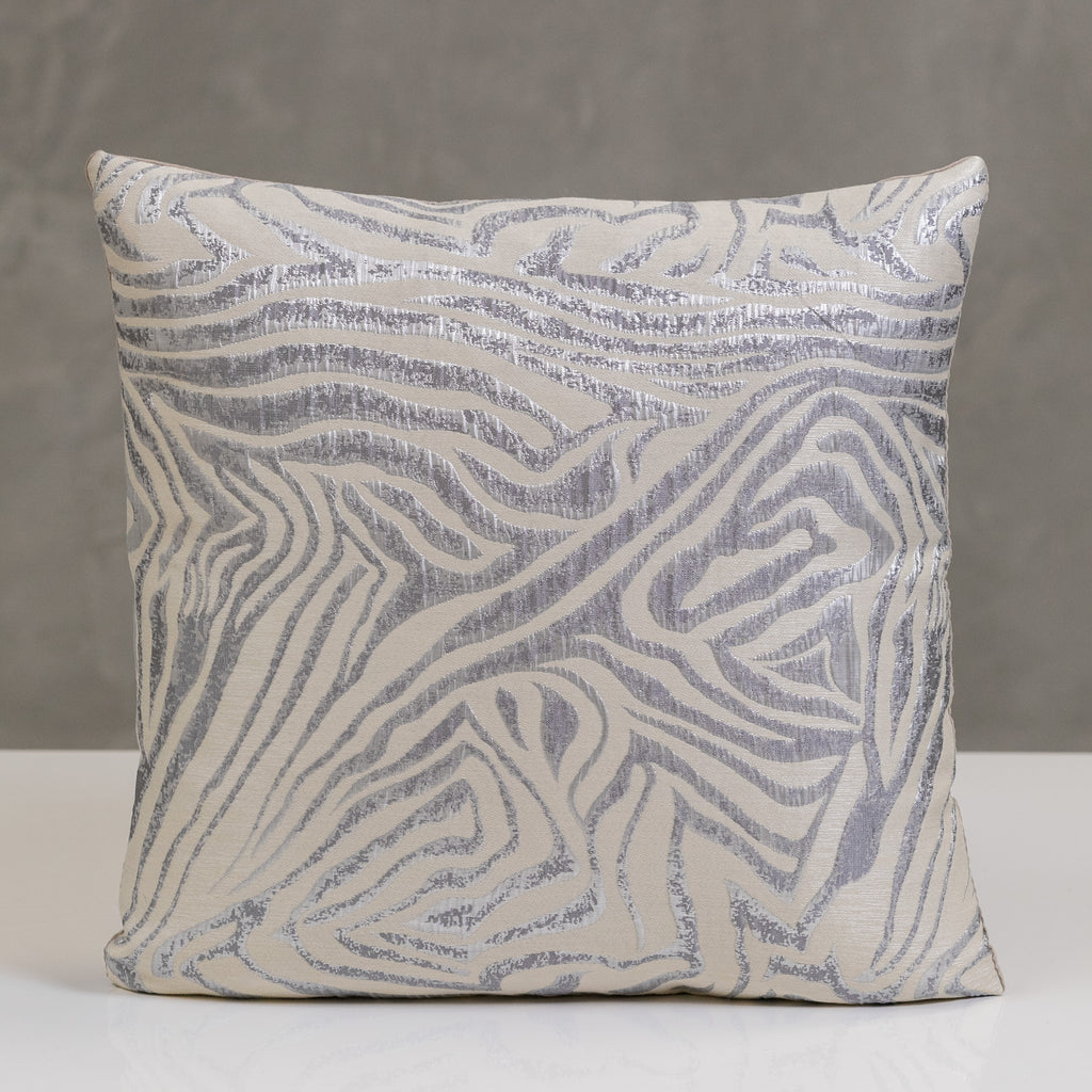 "17"" x 17"" Beton Pillow - White/Silver"