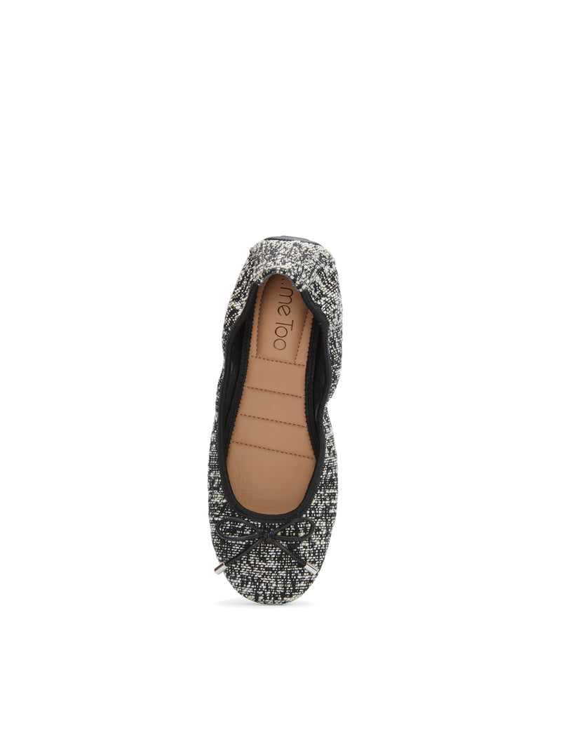 Halle2.0 Black and White Boucle -  FLAT - ...me Too