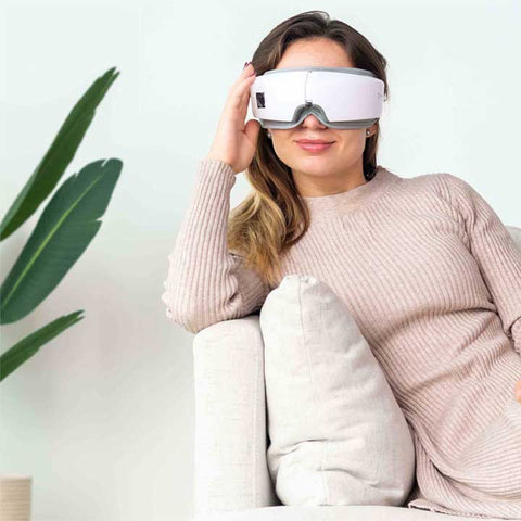 One click control, you decide what kind of massage you want with the Relaxing Eye Massager