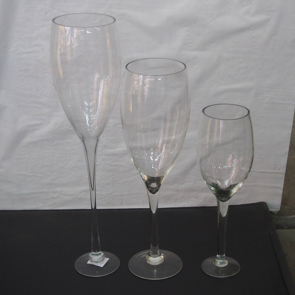 Tall Glass Champagne Vase Wedding Centerpiece – www.PartyMill.com