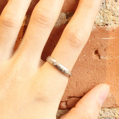 File Faceted Band in Palladium White Gold