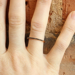 1.5mm Black Spinel Stacker in Rose Gold