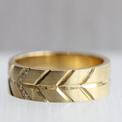 7mm Flat Band with Chevrons and Pave