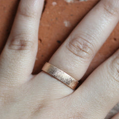 5mm 18K Rose Gold Band with Knurling Texture