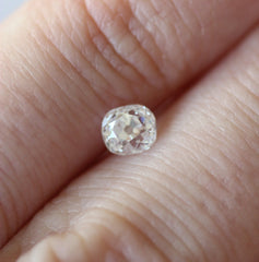 0.60 AKARA Old Mine Cut Diamond VVS2 I Colour