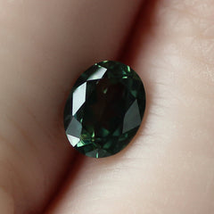 1.06 Green Oval Australian Sapphire - Fairtrade Jewellery Co.