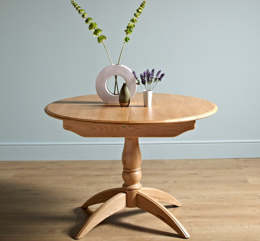 Old Charm Cotswold Round Extending Dining Table