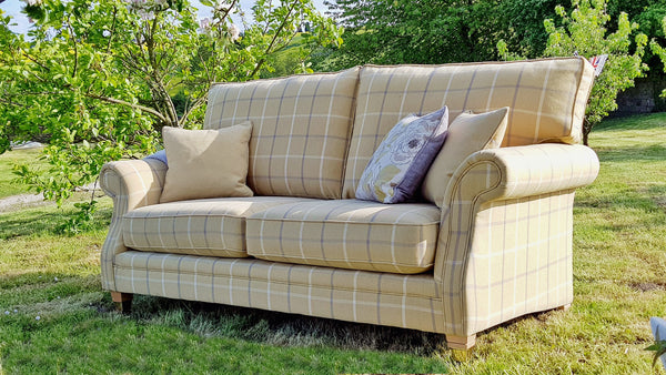 Glencoe 3 Seater Sofa – Sophisticated Country Elegance In Plaid Or Plain Fabrics