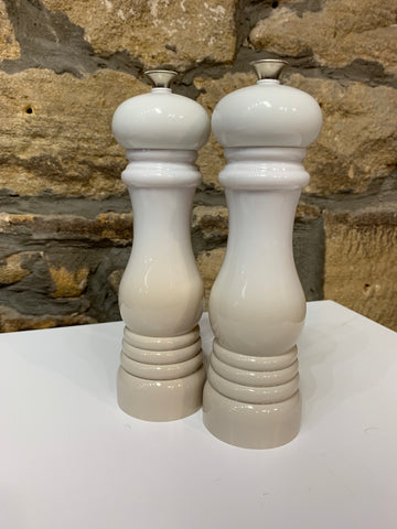 Le Creuset set of 2 salt and pepper mills Meringue