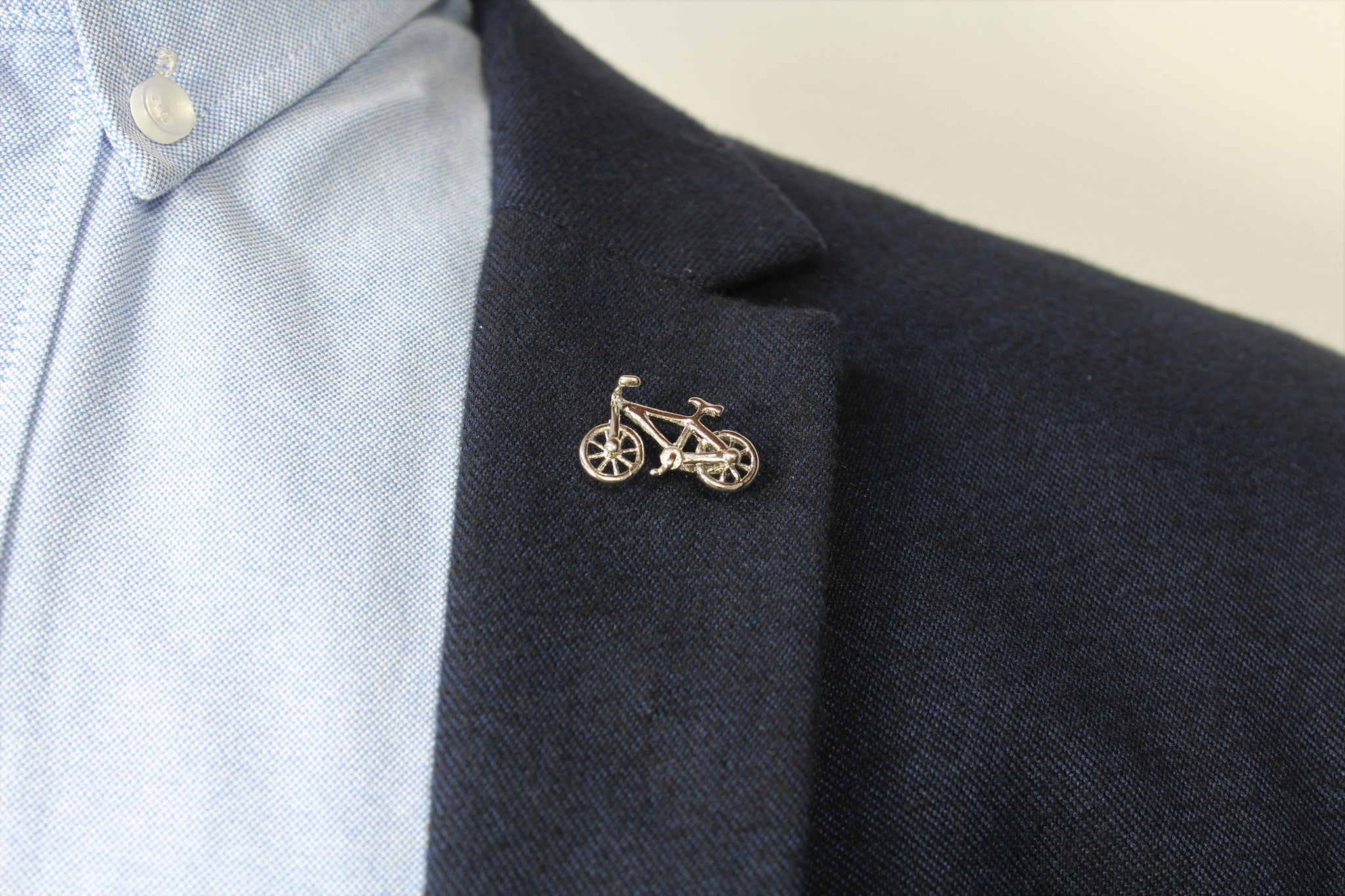 Bicycle Lapel Pin - Stolen Riches