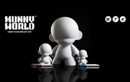 "Vinyl - MUNNYWORLD 18"" Mega MUNNY Blank Art Toy By Kidrobot"