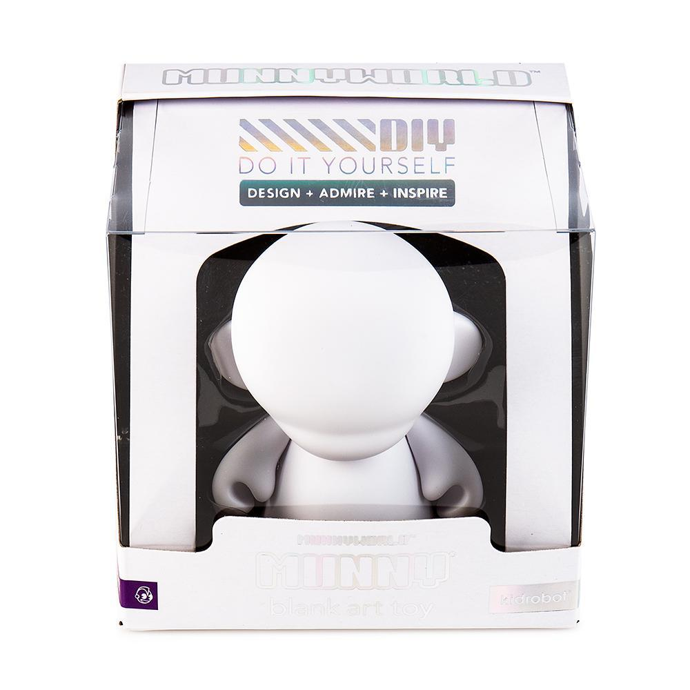 "Vinyl - MUNNYWORLD 4"" MUNNY Blank Art Toy By Kidrobot"