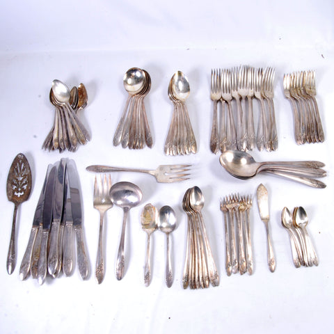 Flatware Set For 8