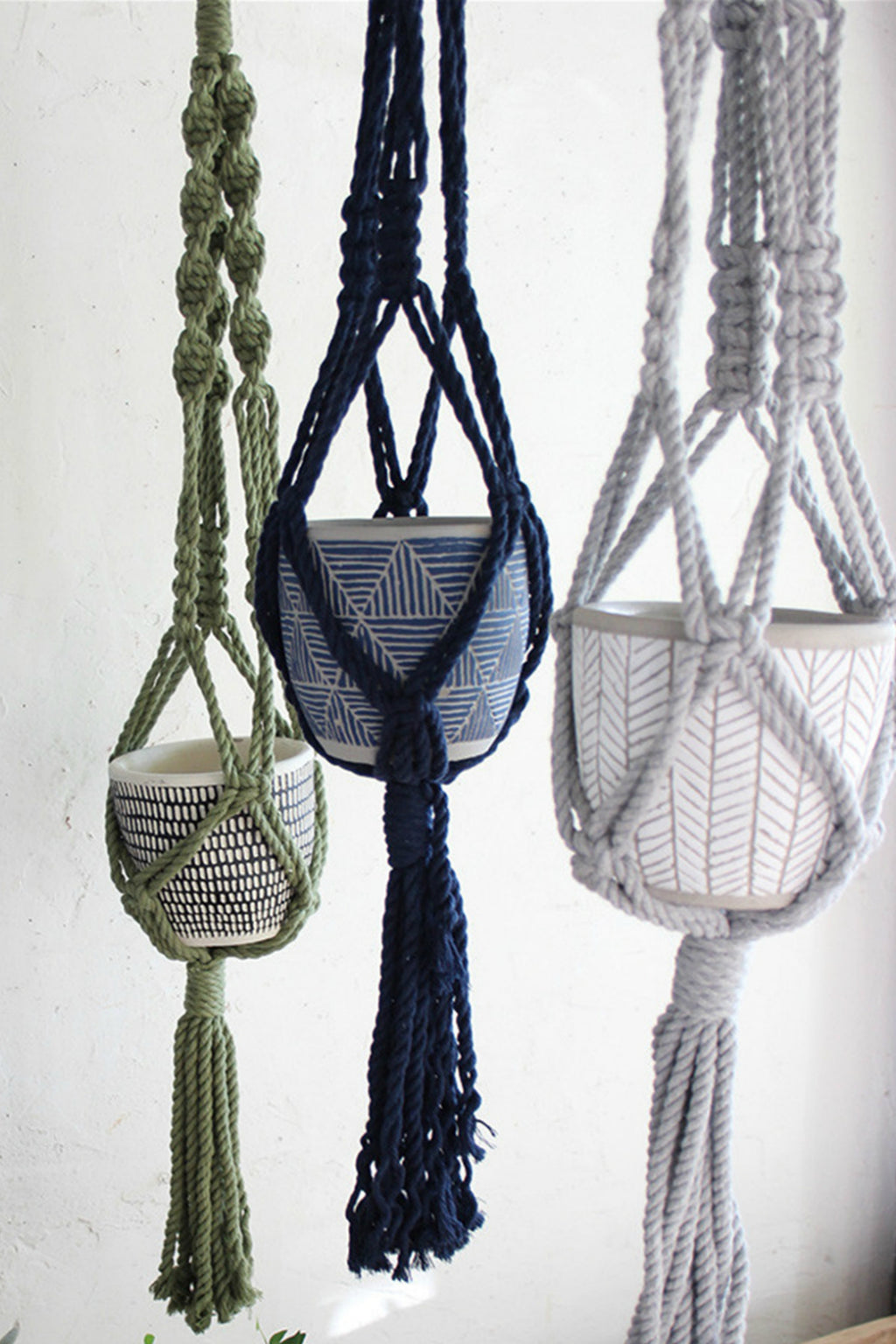 EcoVibe Style - Time Concept Macrame Plant Hanger in Grey