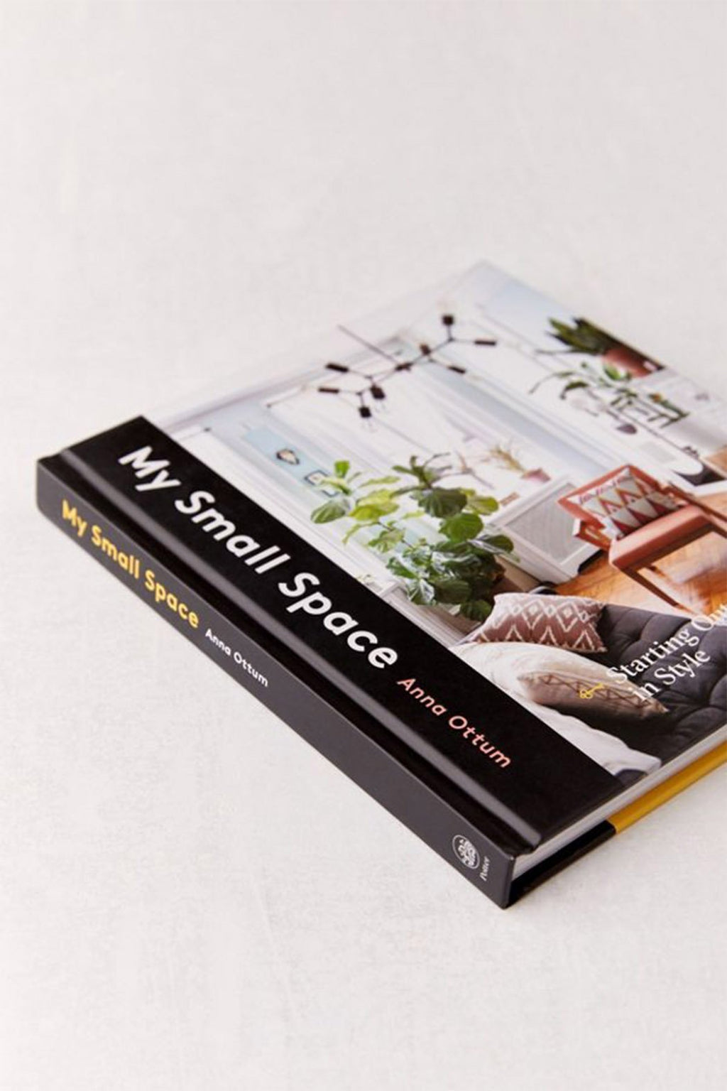 EcoVibe Style - My Small Space: Starting Out in Style by Anna Ottum, Book