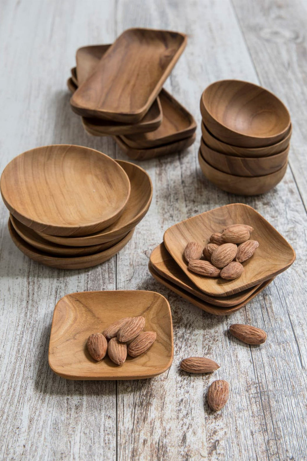 EcoVibe Style - Teak Set of 4 Round Bowls, Kitchenware