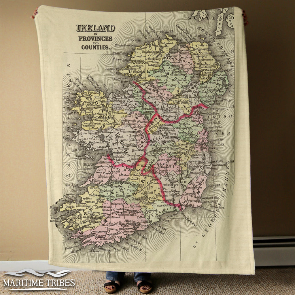 Ireland Vintage Map, with provinces and counties Blanket
